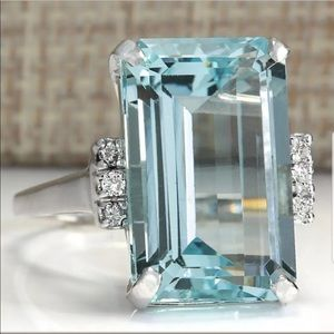 Large 925 Silver Aquamarine Gemstone Ring